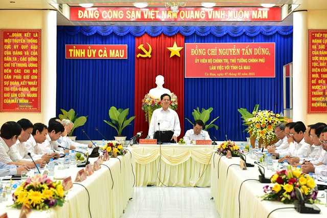 Thủ tướng Nguyễn Tấn Dũng làm việc với lãnh đạo tỉnh Cà Mau