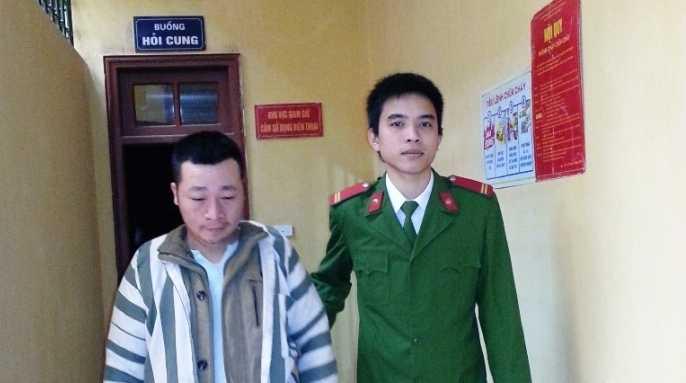 Hà Thọ Huy được đưa đi hỏi cung tại trại giam.