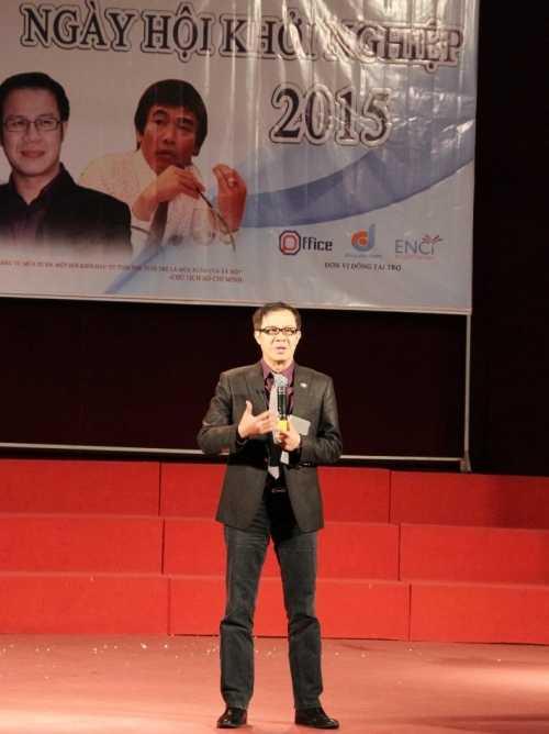Giám đốc Chiến lược FPT Nguyễn Hữu Thái Hòa đã chia sẻ về cách xây dựng lộ trình công danh với sinh viên