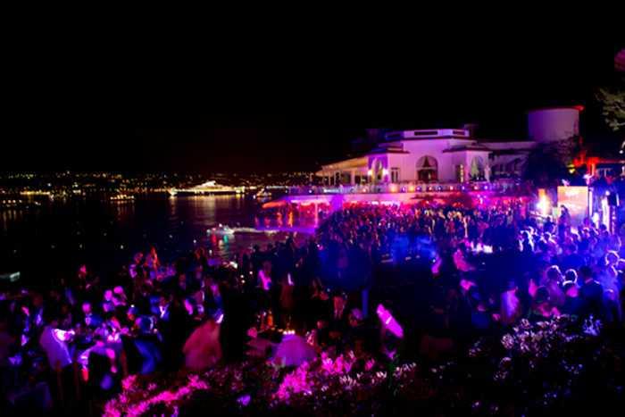 Những bữa tiệc xa xỉ trên du thuyền của Paul Allen