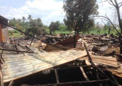 Vụ cháy khiến toàn bộ tài sản trong xưởng gỗ bị thiêu rụi hoàn toàn