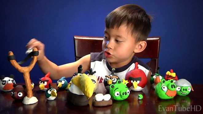 Video đánh giá đồ chơi Angry Birds đưa Evan trở thành một Youtube Star. (Ảnh: EvanTubeHD)