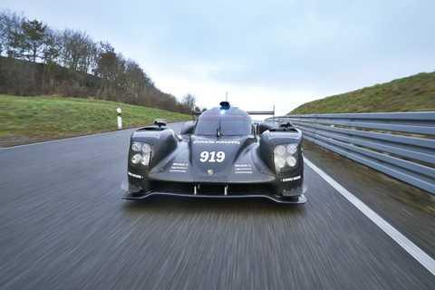 Porsche 919 Hybrid trên đường đua Le Mans năm ngoái
