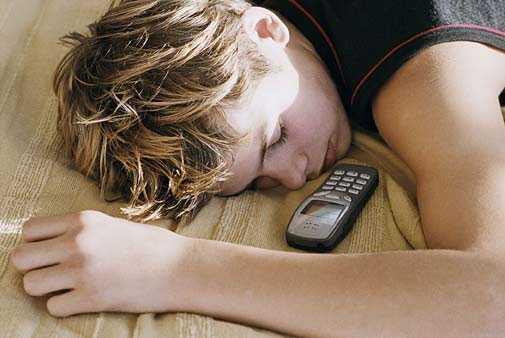 Sóng bức xạ của điện thoại di động gây ảnh hưởng rất lớn đến não bộ