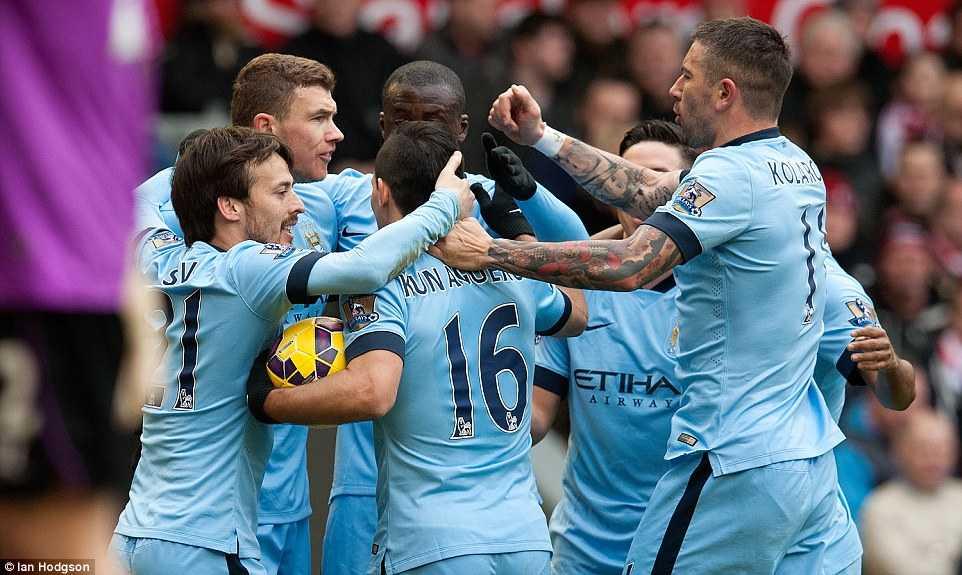 Man City khó lòng bảo vệ ngôi vô địch