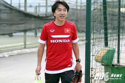 Ông Toshiya Miura trở thành HLV châu Á đầu tiên dẫn dắt tuyển Việt Nam