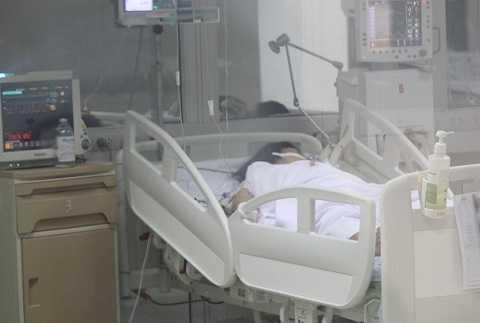 Sản phụ Thương nằm cấp cứu tại bệnh viện Hữu nghị đa khoa Nghệ An