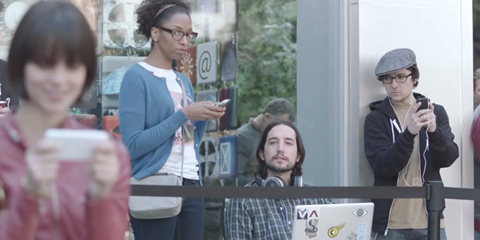Quảng cáo Galaxy S II của Samsung bị cho là chế nhạo iFan