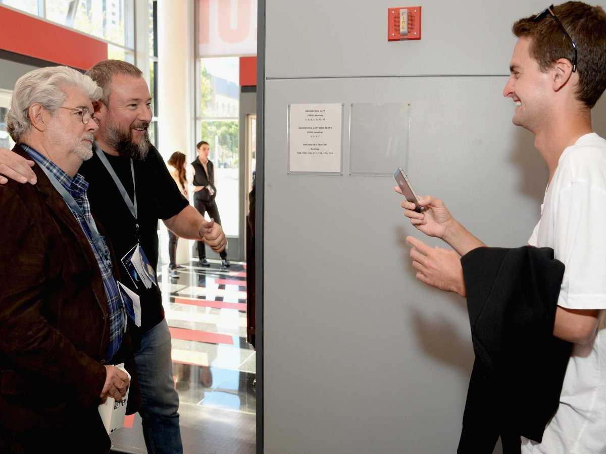 Anh có mặt cùng George Lucas và phó CEO Shane Smith tại Hội nghị phát triển của Vanity Fair vào tháng 10/2014