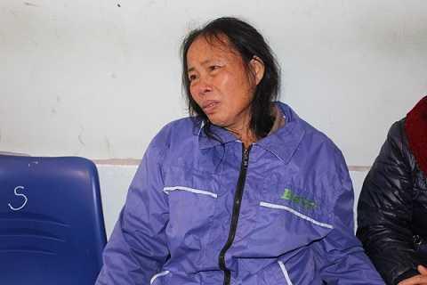 Bà Nguyễn Thị Hoa (mẹ chồng sản phụ Vân) cho rằng cái chết con mình là do cán bộ kíp trực tắc trách, không mổ đẻ theo yêu cầu gia đình