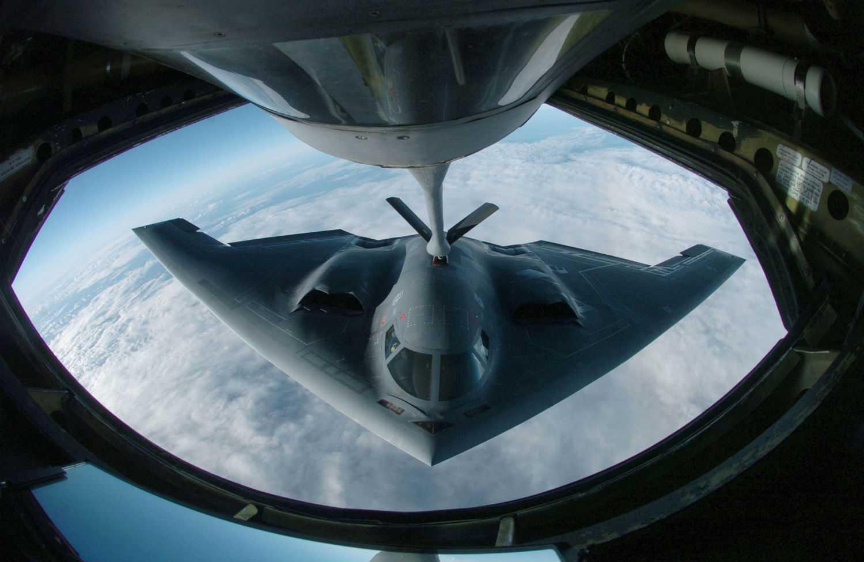 B-2 tiếp nhiên liệu trên không