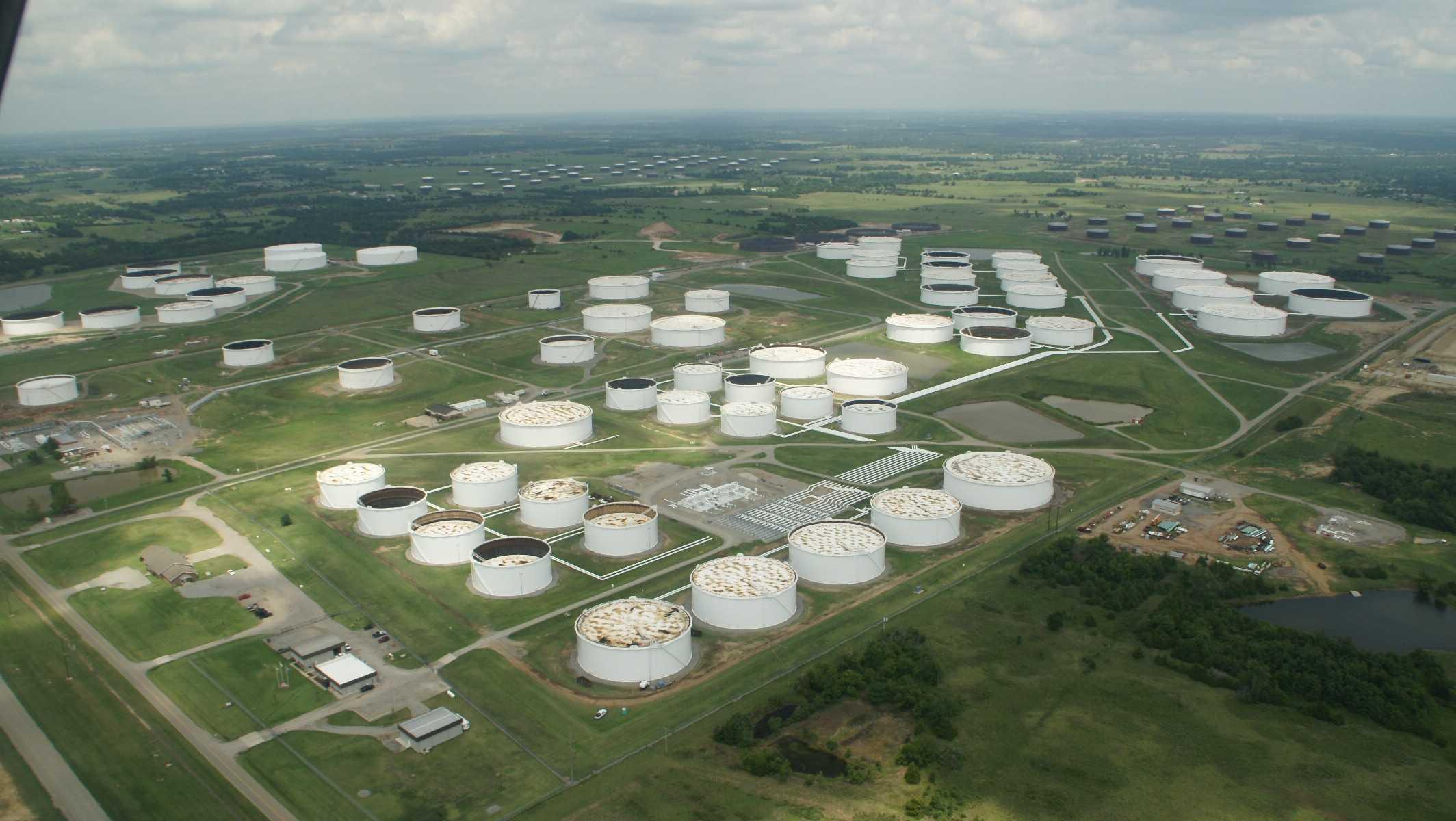 Trung tâm lưu trữ dầu của Mỹ tại thành phố Cushing, bang Oklahoma.