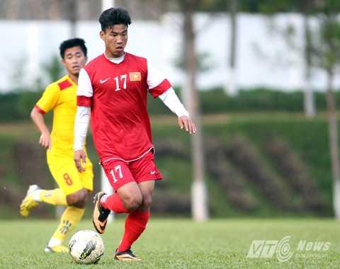 Vũ Văn Thanh trong màu áo U19 Việt Nam tập luyện tại trung tâm huấn luyện Hàm Rồng (HAGL) (Ảnh: Minh Trần)