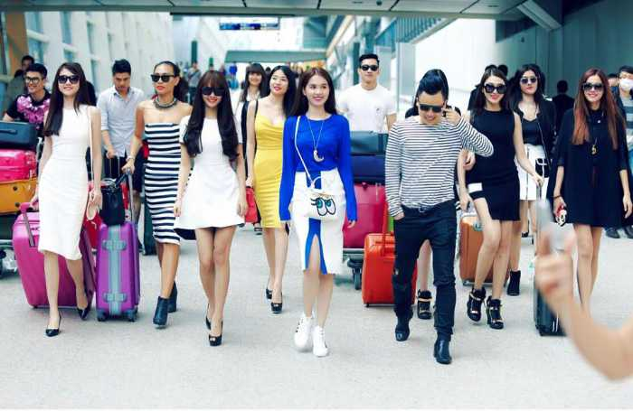 Ngọc Trinh cùng dàn chân dài 'đổ bộ' Hong Kong ghi hình chuẩn bị cho Đêm hội chân dài 9.