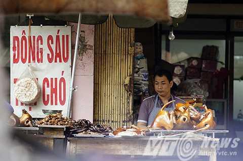 Những sạp hàng bán thịt chó rất phổ biến ở Việt Nam