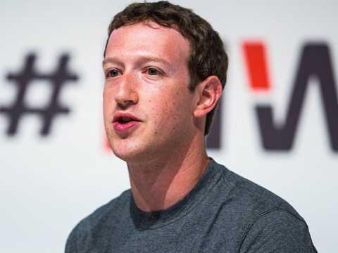 Mark Zuckerberg phát biểu tại Mobile World Congress 2015 tại Barcelona, Tây Ban Nha.