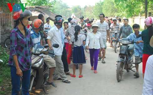 Người dân phản ứng việc chuyển trường Tiểu học Nam Phổ Hạ