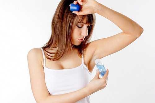 Lăn khử mùi có thể là nguyên nhân gây vô sinh cho phụ nữ.