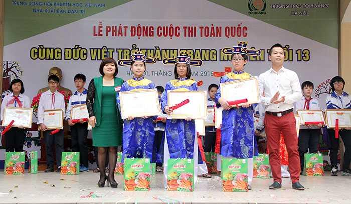 Các học sinh đạt giải Bảng nhãn