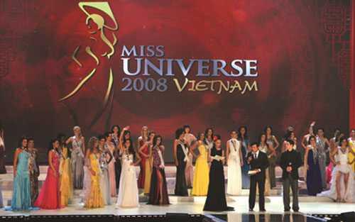 Cuộc thi Hoa hậu Hoàn vũ thế giới tại Diamond Bay, Nha Trang vào năm 2008.