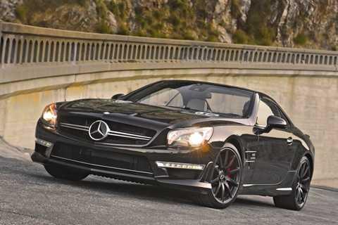 Mercedes-Benz SL-Class có 4 lần dính phạt trên 10 vạn km vận hành