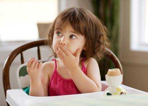Trứng là một sự lựa chọn lí tưởng dành cho bữa sáng của trẻ.