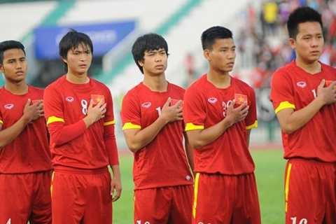 Tuấn Anh (số 8) phải ngồi dự bị trong trận U23 Việt Nam vs U23 Nhật Bản