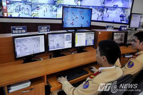 Xử phạt vi phạm giao thông qua Camera ở Hà Nội (Ảnh: Minh Chiến)