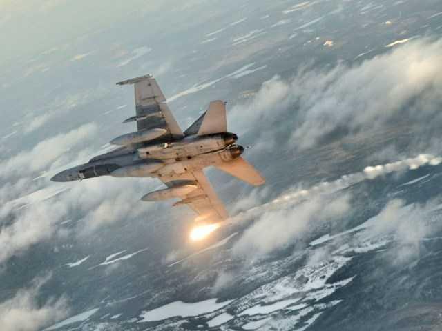 Máy bay chiến đấu CF-18 của Canada tham gia chiến dịch không kích nhằm vào IS