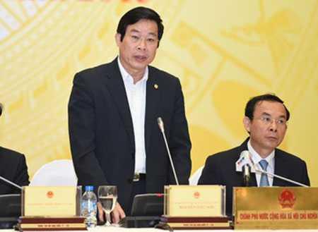 Bộ trưởng TT&TT Nguyễn Bắc Son tại buổi họp báo chiều 1/4