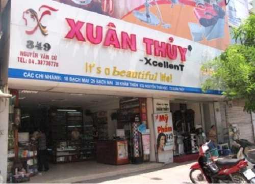Một trong nhiều cửa hàng của mỹ phẩm Xuân Thủy - Hà Nội.