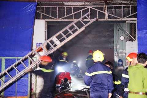 Hiện trường vụ cháy kinh hoàng ở TP.HCM ngày 31/3