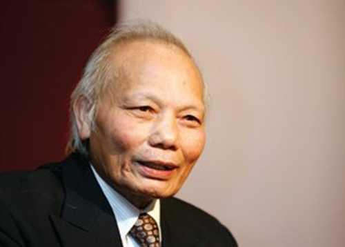 GS.TSKH Nguyễn Mại.