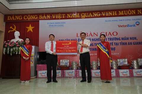 Lễ bàn giao các công trình TTXH do VietinBank tài trợ cho tỉnh An Giang
