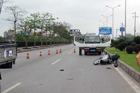 Hiện trường vụ đấu đầu xe CSGT, khiến 1 thanh niên tử vong