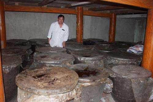 Hầm rượu khổng lồ trong nhà ông lang Lục Xuân Út