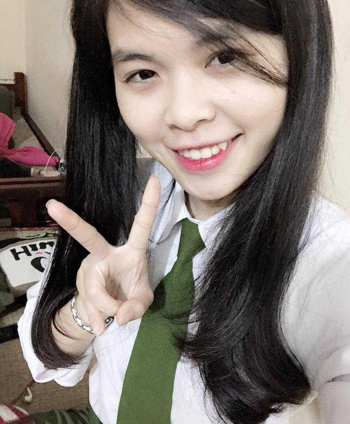 Dù đã là sinh viên Đại học Vinh được hai năm nhưng ước mơ trở thành cảnh sát luôn thôi thúc khiến Đinh Thị Diệu Ngọc quyết định thi vào Cao đẳng Cảnh sát Nhân dân I