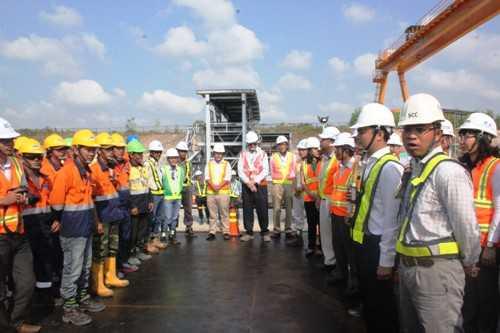 Buổi lễ đúc dầm cầu cạn dự án đường sắt TPHCM được tổ chức tại khu bãi đúc dầm khu Deport Long Bình (Q.9, TPHCM).