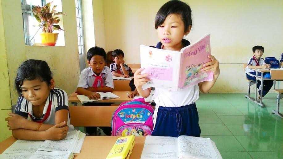 Học sinh trường Tiểu học AnTrạch B (Sóc Trăng) trong giờ học.
