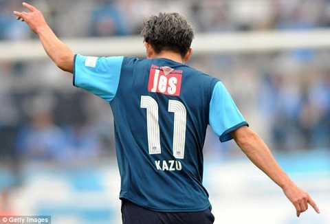 Miura là cầu thủ chuyên nghiệp lớn tuổi nhất thế giới