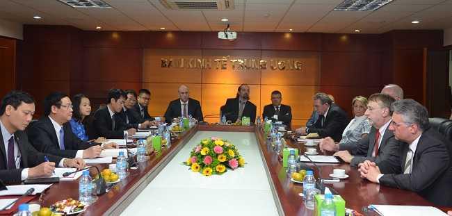 Quang cảnh buổi tiếp Ông Bernd Lange, Chủ tịch Ủy ban Thương mại Quốc tế (INTA) thuộc Nghị viện Châu Âu