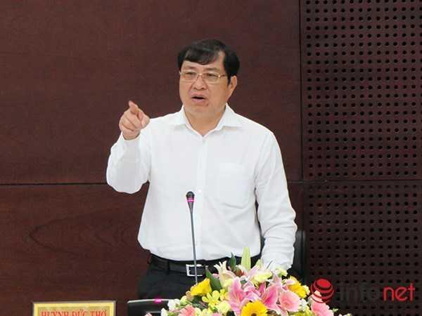 Chủ tịch UBND TP Đà Nẵng Huỳnh Đức Thơ đã nói thẳng: 'Hiện tượng cán bộ chính quyền ở dưới xã, phường, một số cơ quan, ban ngành của quận, kể cả lực lượng công an thông đồng với mấy tay 'cát tặc' là có, dứt khoát có!' (Ảnh: HC).
