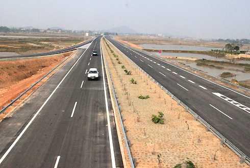 Cao tốc Nội Bài - Lào Cai được POSCO E&C thi công gói thầu số A1, A2, A3. Ảnh: Đ.Loan