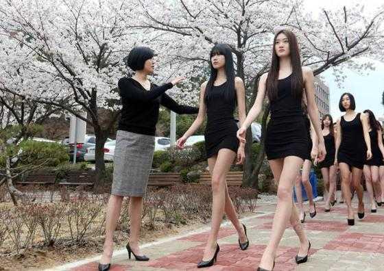 Không chỉ gây ấn tượng với chiều cao khủng mà những nữ sinh người mẫu Hàn Quốc còn sở hữu khuôn mặt xinh đẹp, thanh tú.