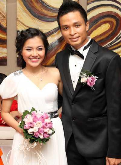 Thanh Ngọc và ông xã trong đám cưới năm 2011.
