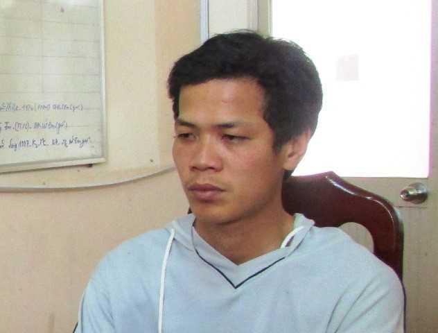 Nguyễn Văn Tèo ra đầu thú tại công an huyện Tam Nông. Ảnh: CTV.