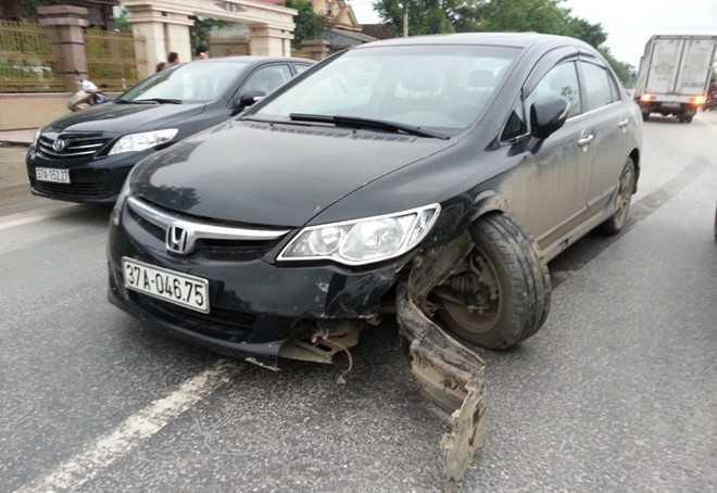 Xe ôtô gây tai nạn. Ảnh: Tú Xuân.