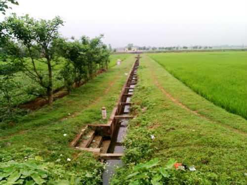Đoạn kênh N3 chạy qua thôn Bản Định