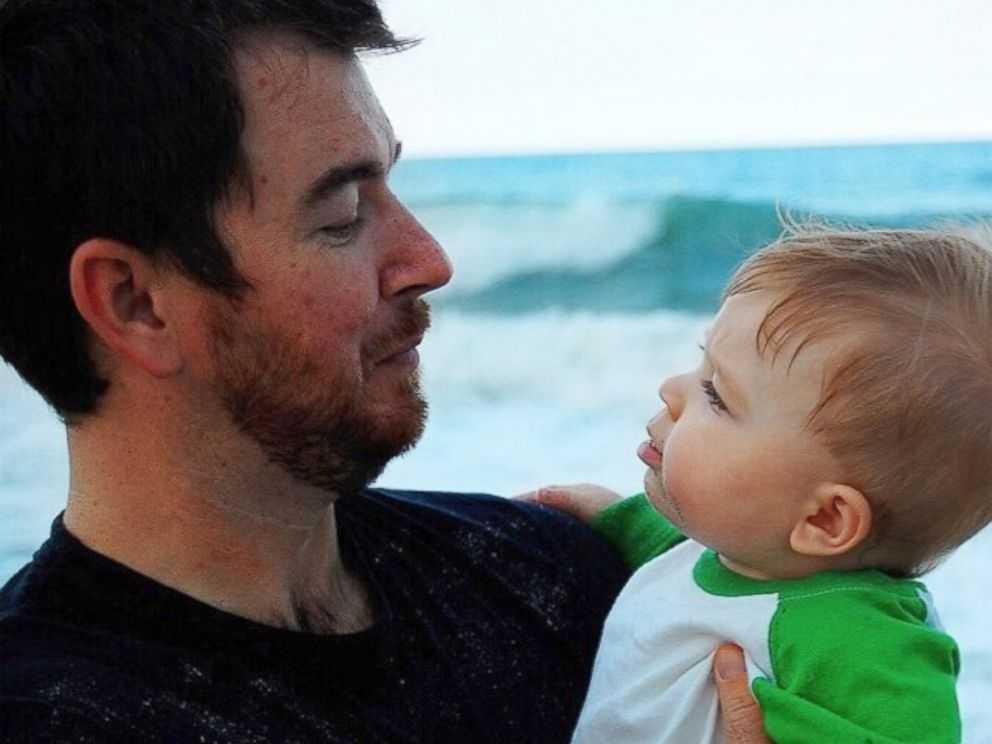 Sammy chụp ảnh cùng cha Justin Griner