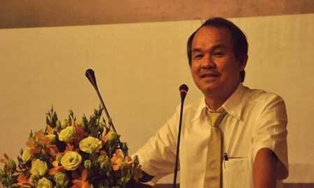 Ông Đoàn Nguyên Đức, Chủ tịch HĐQT CTCP Hoàng Anh Gia Lai phát biểu trong ĐHCĐ thường niên 2015.